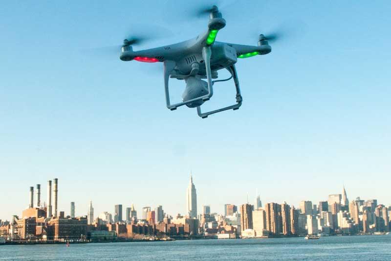 hackear con smartphone y drone
