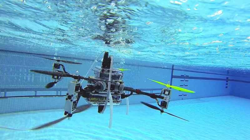 Naviator el drone aéreo y submarino