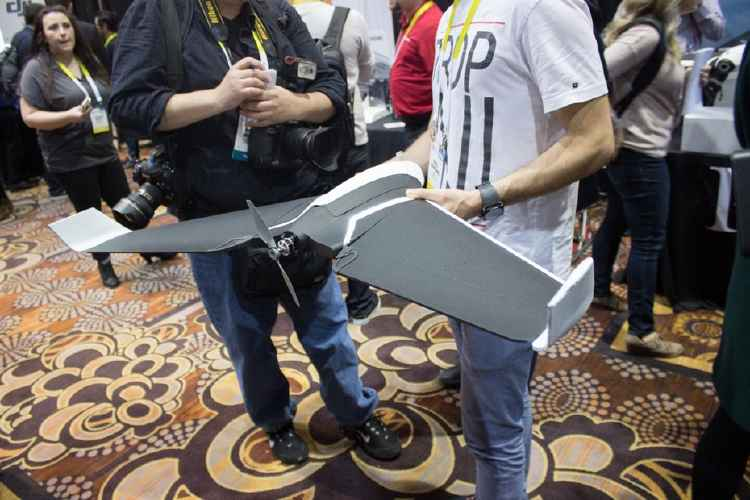 Parrot Disco drone presentado en el CES